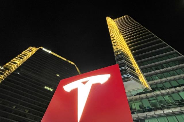 Investitorë nga bota zgjedhin Kinën mes një ambienti të përmirësuar të biznesit