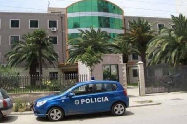 Tentoi të kalonte kufirin me dokumente false, arrestohet në Durrës 21-vjeçari nga Kosova