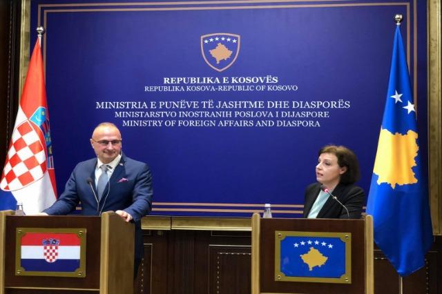 Kroacia 10 mijë vaksina për Kosovën