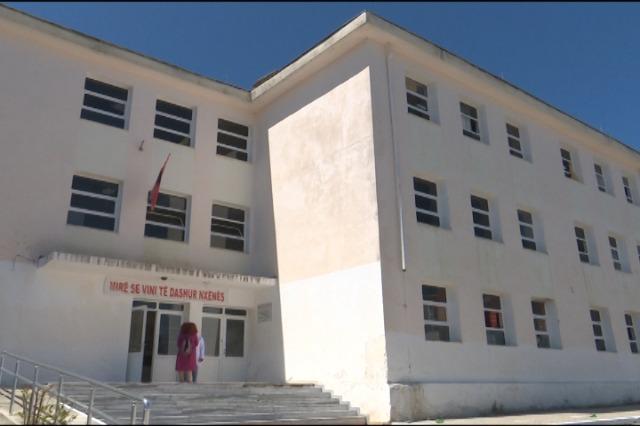 """""""Muhamet Gjollesha"""", përgatitje për provimet e lirimit dhe MSH"""