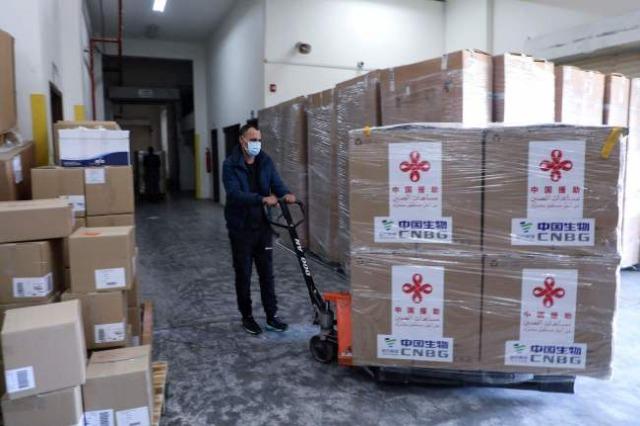 Përfshirja e mundshme e vaksinave kineze në COVAX do të sjellë përfitime për më shumë vende