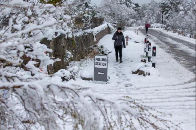 Mot ekstrem në Mbretërinë e Bashkuar: Veriu ngrin, në jug pritet valë e nxehtë
