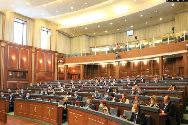 Kosovë, përplasja në Kuvend, paralajmërim për legjislaturë të tensionuar