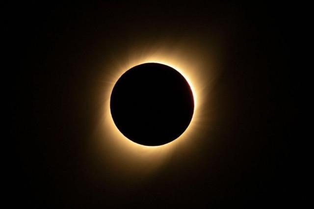 Më 26 Maj qielli do të sjellë supriza, një eklips total hënor