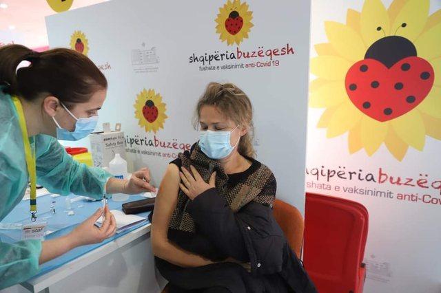Shkon në 585 mijë numri i qytetarëve të vaksinuar