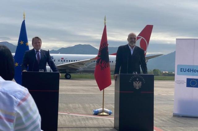 """""""Non paper"""" për rishikimin e kufijve mes Kosovës dhe Serbisë! Rama dhe Varhelyi e mohojnë!"""