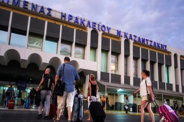 Greqia zgjat ndalimin e hyrjes për shtetasit e vendeve të treta