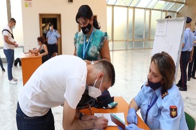 """Publikohen emrat, ja 210 hetuesit e """"FBI-së shqiptare"""" që kaluan testin e aftësisë fizike"""