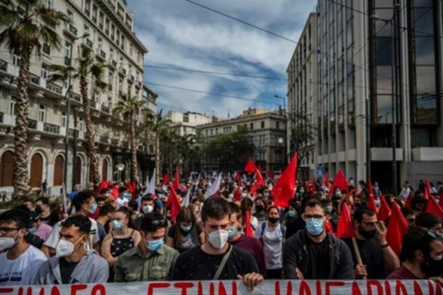 Greva kombëtare 24-orëshe paralizon Greqinë