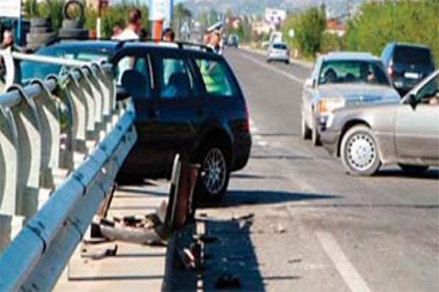 """Pas aksidentit tragjik me katër viktima, autostrada Levan-Vlorë """"blindohet"""" nga Policia"""