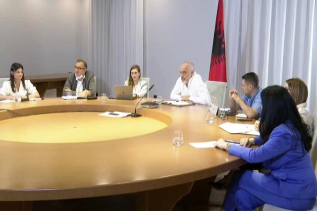 """Platforma """"Gati për Shqipërinë"""", Rama: """"Një segment i administratës për nëpunës publik dixhital"""""""