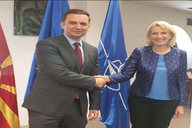 Kodheli në Maqedoninë e Veriut, takim me ministrin e Jashtëm Bujar Osmani