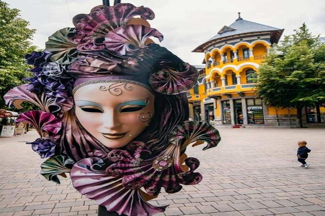 Karnavalet e Korçës hapin sezonin turistik
