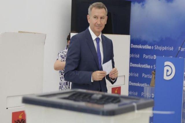 Zgjedhjet në PD/ Voton Fatbarth Kadilli: Kjo garë u mbyll e pabarabartë