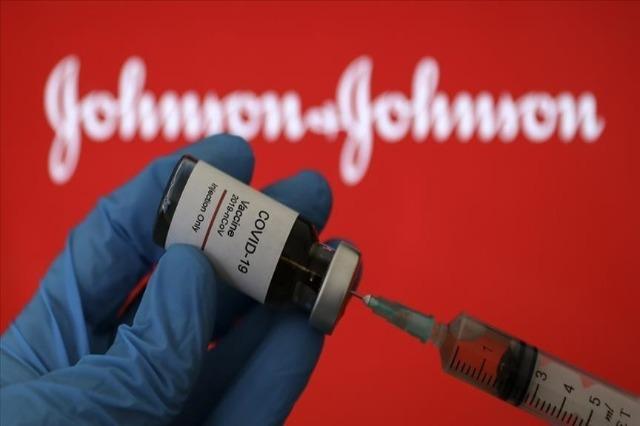 Studimi: Vaksina Johnson & Johnson më pak efektive ndaj varianteve të COVID-19