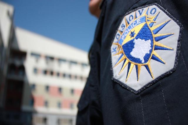 Arrestohen dhjetë zyrtarë komunalë në Kosovë