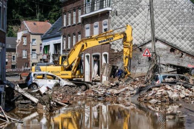 Belgjikë, 36 të vdekur dhe qindra të zhdukur për shkak të motit të keq