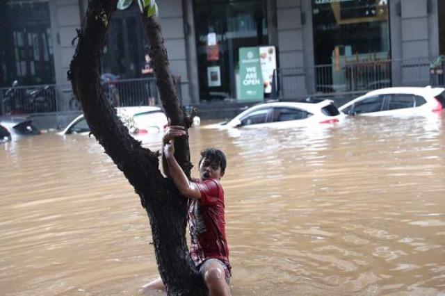 Studimi i NASA-s tregon se nga cili vit qytetet bregdetare do të përballen me stuhi e përmbytje