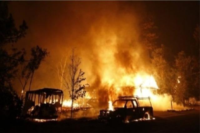 Bregu perëndimor i SHBA në flakë, rrëzohet helikopteri