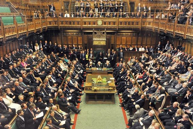 Amnisti për emigrantët e paligjshëm, parlamenti britanik nis shqyrtimin e kërkesës së komunitetit shqiptar