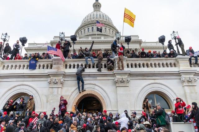 Sulmi ndaj Capitolit, krijohet komisioni për të hetuar dhunën e 6 janarit 2021