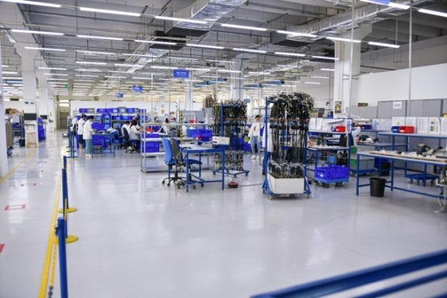Drejt Shqipërisë janë importuar gati 81 miliardë lekë makineri e pjesë këmbimi