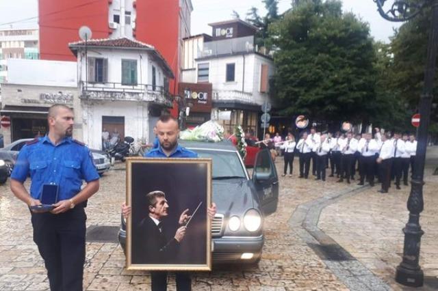 Shkodër, banda muzikore përcjell dirigjentin e saj: Lamtumirë Mjeshtër Kujtim Alija!
