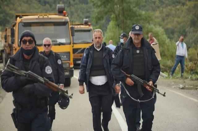 Reciprociteti për targat, serbët mbajnë të bllokuar Jarinjën dhe Bërnjakun prej tre ditësh