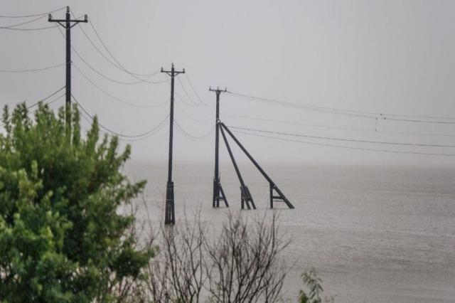 Uragani Nicholas zbret në Teksas me erëra të forta dhe stuhi të rrezikshme