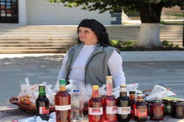 """""""Agro Puka"""", ekspozohen 200 produkte bio për banorët e zonës dhe vizitorët"""
