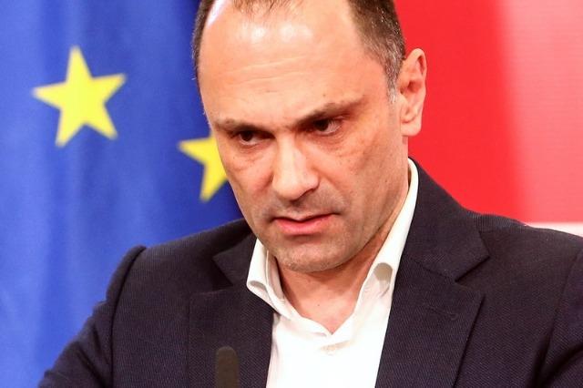 Zjarri në Spitalin e Tetovës, Ministri i Shëndetësisë i Maqedonisë së Veriut Venko Filipçe jep dorëheqjen