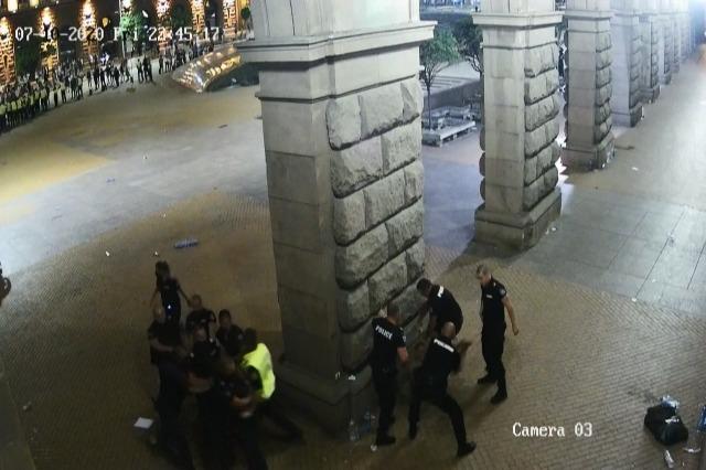 Publikohen video nga dhuna e policisë bullgare