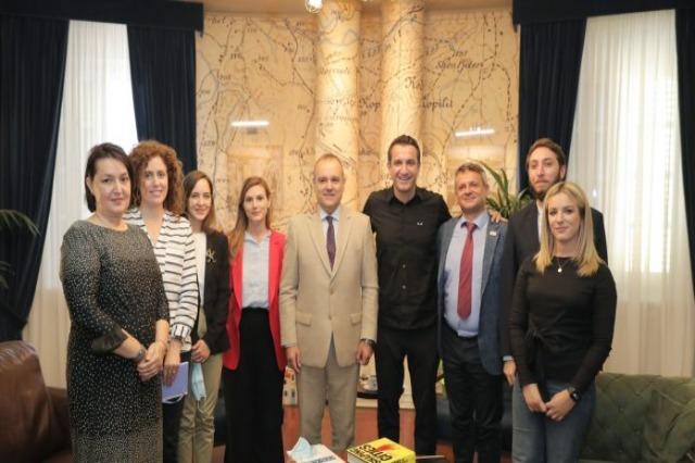 Reporterë të rinj nga Ballkani, Veliaj dhe Monaco lançojnë nismën e re, si mundësi për të prezantuar Tiranën