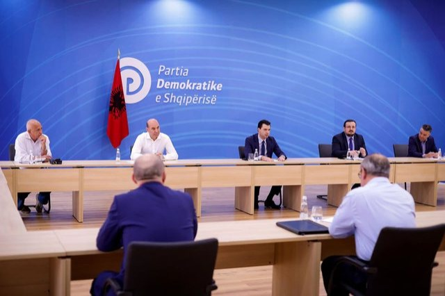 Basha paraqet nismat e opozitës për Parlamentin: Propozim për uljen e TVSH për produktet e shportës