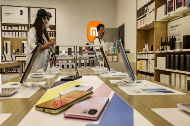 """""""Xiaomi"""", shitësi numër dy në botë i smartphone-ve"""