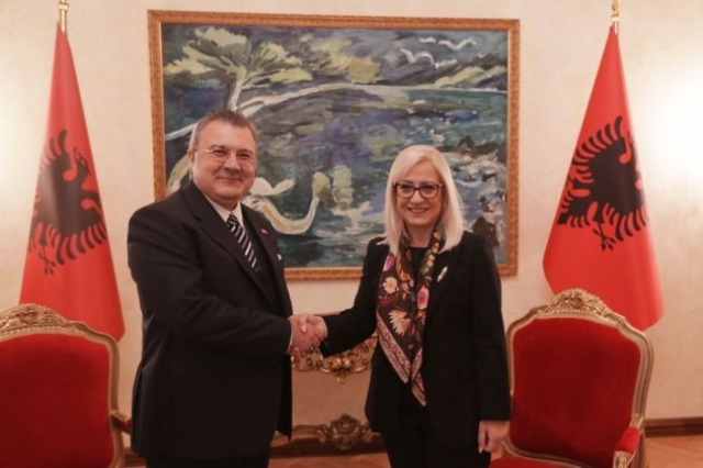 Nikolla pret ambasadorin Yörük: Parlamentet, nxitës të partneritetit strategjik