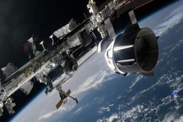 Sot niset drejt hapësirës fluturimi i parë rreth Tokës me turistë