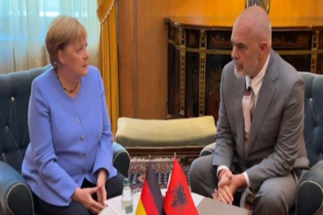 """Përfundon takimi """"kokë më kokë"""" mes Merkel dhe Ramës në Pallatin e Brigadave"""