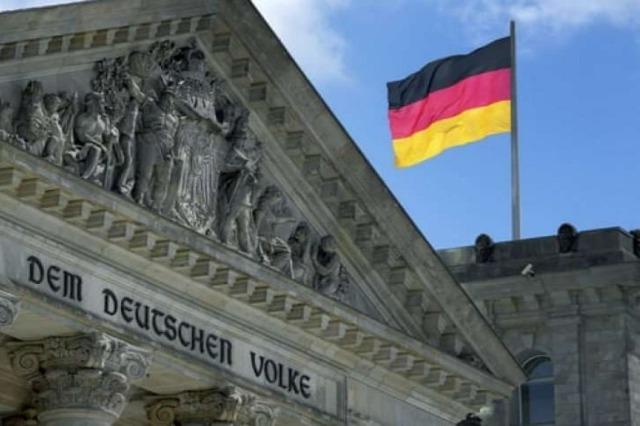 Gjermani, fillojnë votimet për qeverinë e parë postMerkel