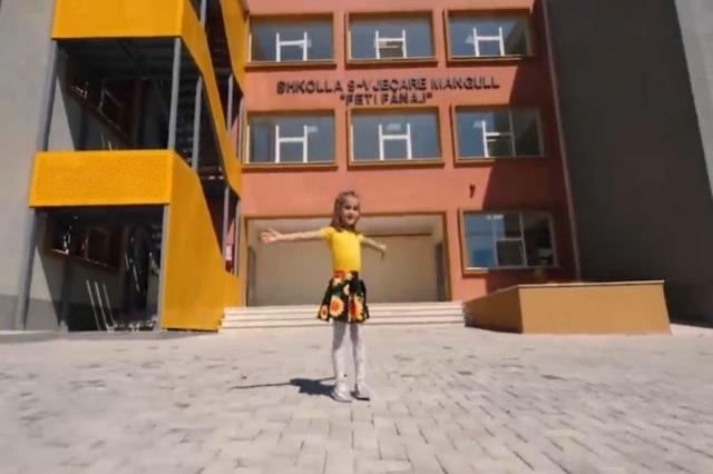 Viti i ri shkollor, kryeministri Rama uron nxënësit