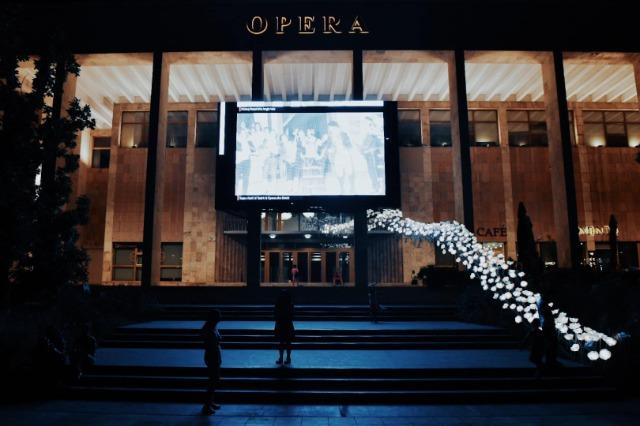 """""""Grand Gala"""", rihap dyert i rikonstruktuar Teatri Kombëtar i Operas dhe Baletit"""