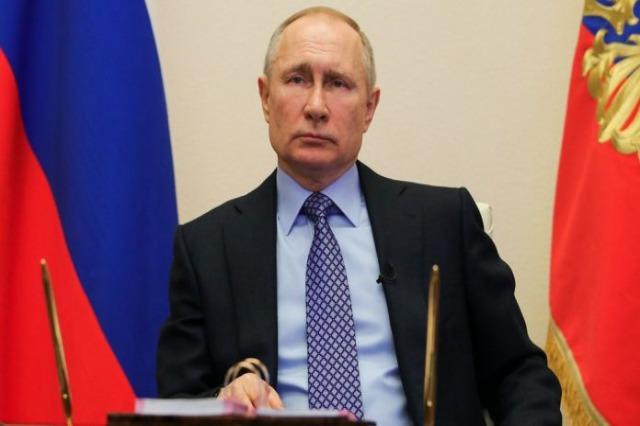 COVID-19 – Vetizolohet Putin