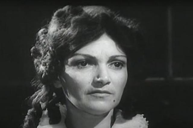 Ndërron jetë aktorja e njohur shqiptare, Filika Dimo