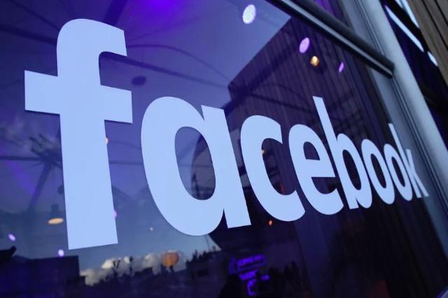 """Facebook-u do të punësojë 10 mijë persona për të krijuar """"botën online"""""""