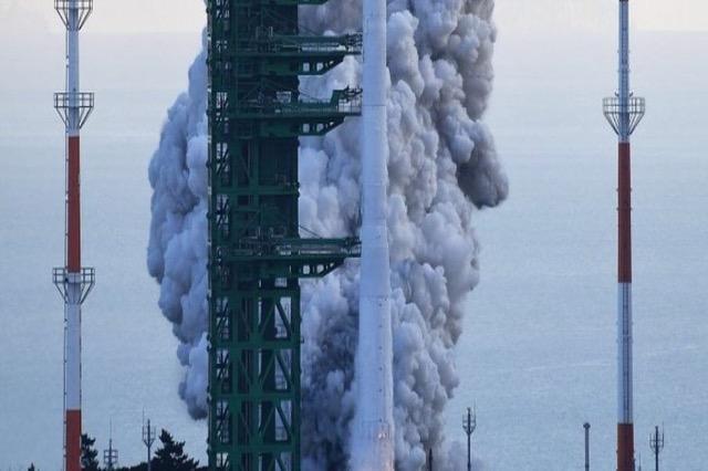 Koreja e Jugut dështon me hedhjen e satelitit në hapësirë