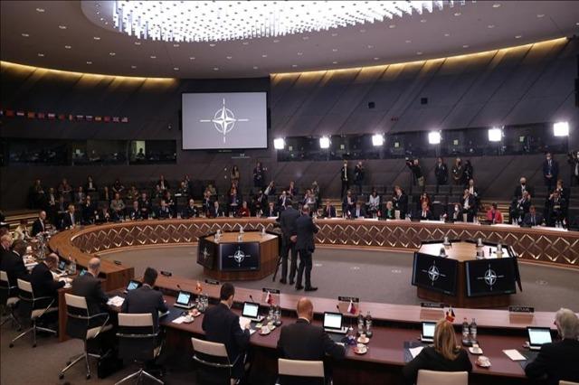 Takimi i ministrave të NATO-s, Stoltenberg njofton miratimin e strategjisë për inteligjencën artificiale