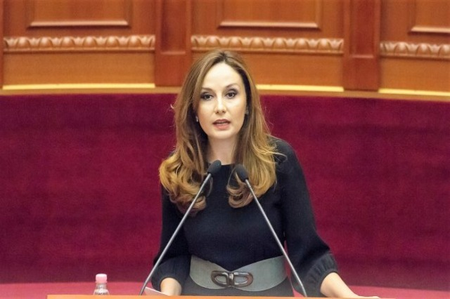 Tabaku: Borxhi publik ka shkuar në 80%