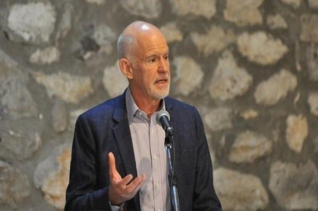 Papandreu drejt rifutjes në politikën aktive