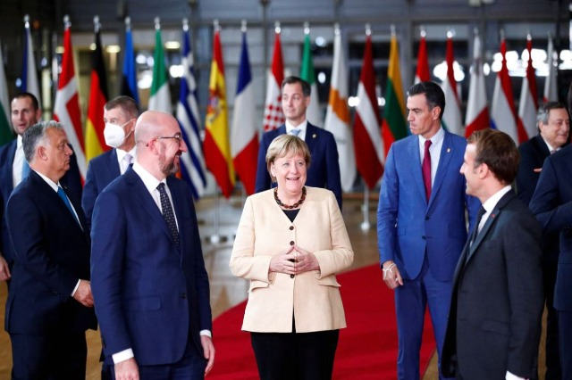 Merkel: Gratë të përfshihen më shumë në politikë