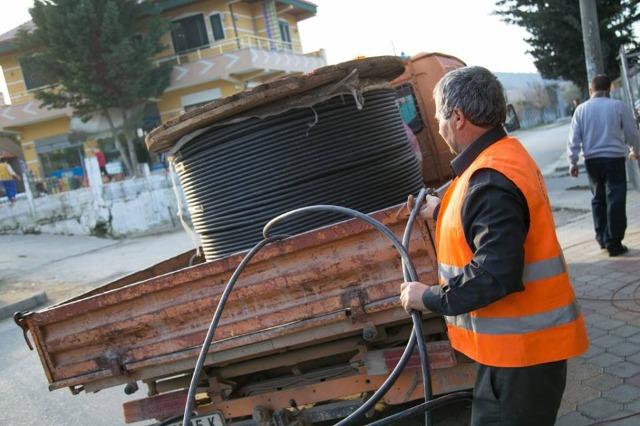 Qeveria shqiptare miraton rritjen e pagës minimale në 30 mijë lekë